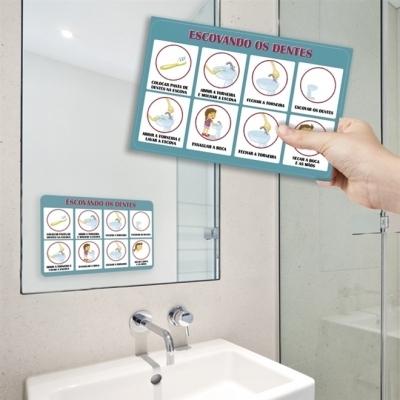 Adesivo Passo a Passo - Meninos Escovando os Dentes